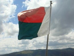 Madagascan flag ©Olivier Lejade, Flickr
